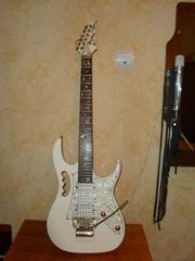 продам гитару электрическую месте с усилителем